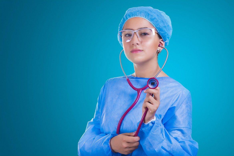 Personne âgée et handicapées : l'importance de la présence d'une infirmière à domicile