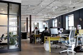Rendre le travail moins stressant et plus engageant pour vos employés