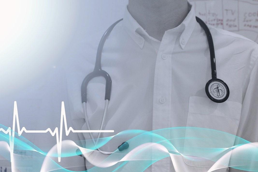 Felix M'Bappe présente les qualités requises pour devenir médecin généraliste